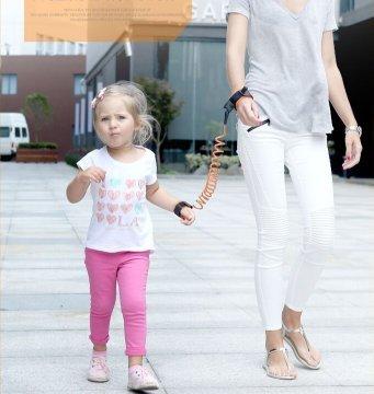 Lavillede 1 St/ück Kinder Anti-Verlust-Armband mit Zugseil Baby Kind Anti-Verlust-Seil Anti-Verlust-Armband Anti-Verlust-Seil