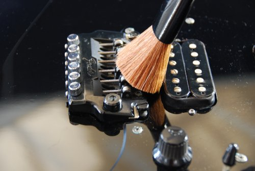 Music Nomad MN205 The Nomad String, Body, and Hardware Cleaning Tool