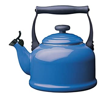 Le Creuset 2.1 L. Enamel on Steel Classic Whistling Teakettle – Harm. Blue 2.2 Qt