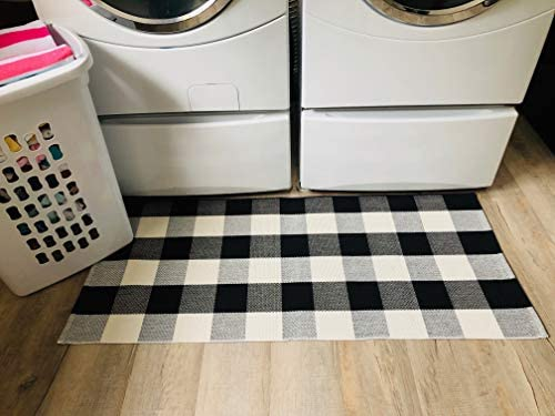 Buffalo Plaid Rug – Black and White Check Door Mat Outdoor – Farmhouse Rugs for Kitchen Bathroom Front Porch Decor – Layered Welcome Doormats – Checkered Flannel Cotton Entry Way Layering Mats 24 x51