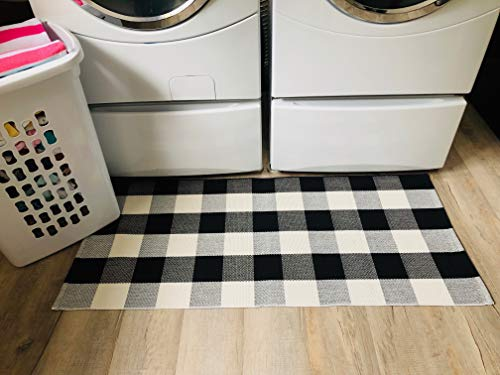 Buffalo Checkered Rug - Plaid Welcome Doormat - Outdoor/Indoor/Door/Floor/Kitchen/Rugs/Front Porch/Bathroom/Laundry Room/Bedroom - White/Black Outside Mat - House Flannel Mat 24