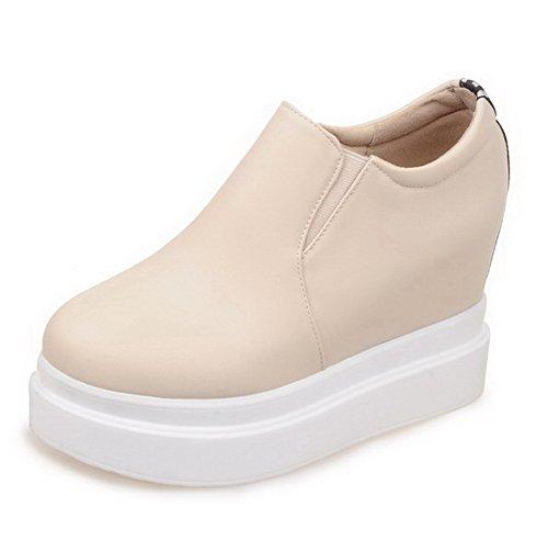 AllhqFashion Damen Weiches Material Ziehen auf Rund Zehe Hoher Absatz Rein Pumps Schuhe Cremefarben
