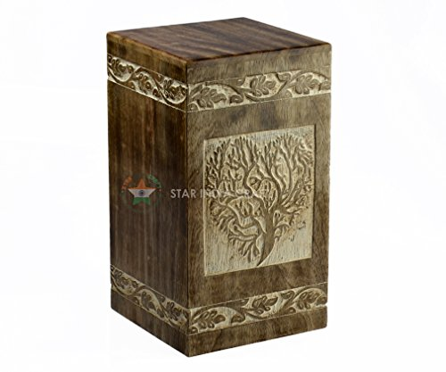 a7f10cd9d4e91 25 Elegant Cremation Boxes That Will Look Perfect Around The Home