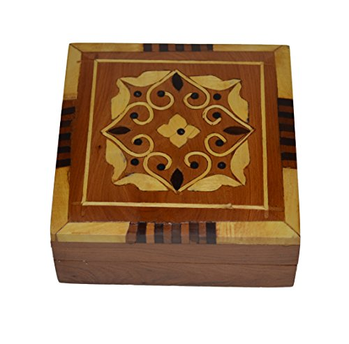 Thuya Wood Moroccan Handcrafted Box with Light Wood Inlaid Inlead Medium