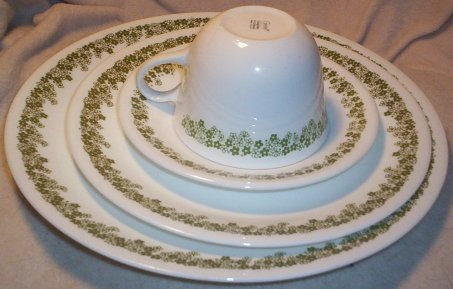 Spring Blossom Green (Crazy Daisy) 4 Piece Set; 1 Dinner, 1 Lunch, 1 Cup & Saucer (Corelle Bone compare prices)