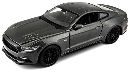 Maisto 2015 Ford Mustang Die Cast Vehicle (1:24 Scale) (Colors May Vary)