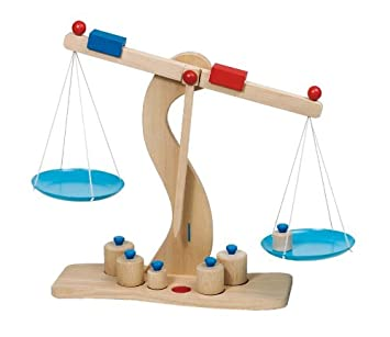 Goki 51856 - Balanza en madera [Importado de Alemania]: Amazon.es: Juguetes y juegos