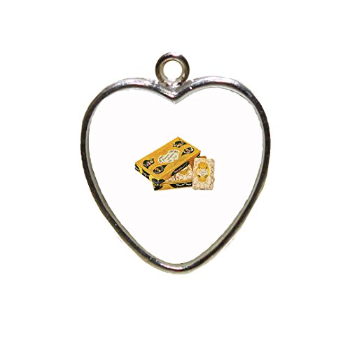 soap-box-vintage-look-chrystal-framed-pendant-heart-pendant-with-chain