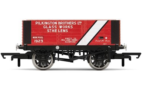 Hornby R6870 Pilkington Bros 6 Plank Wagon'1923' Freight Car, Multi