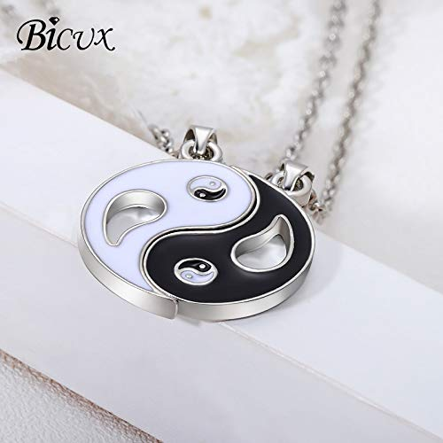 Davitu Fashion Yin Yang Gossip Pendant Necklaces for Women Men Decoration Black White Two-Piece Stitching Link Chain Necklace Metal Color: White Black