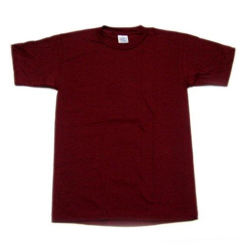 how to wear a burgundyt shirt