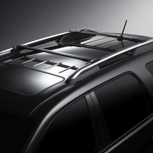 (GM # 12499868 Roof Rack Cross Rail Package - Black by Chevrolet)