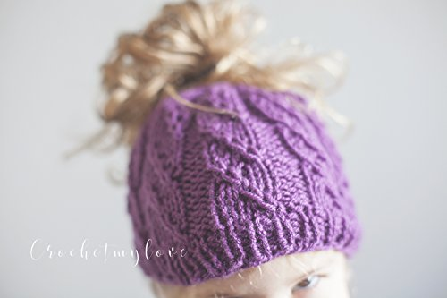 cascade swirl messy bun hat pattern: Knitting pattern