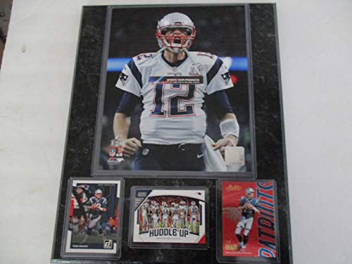 TOM BRADY NEW ENGLAND PATRIOTS FIVE-TIME SUPER BOWL CHAMPION SUPER BOWL 51 PHOTO PLUS 3 CARDS MOUNTED ON A 12
