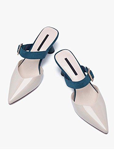 La Moda Delle Pantofole Freddi Si È Rivelata Perfetta Con Le Scarpe Müller Con Le Pantofole Piatte Da Donna