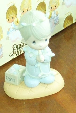 Precious Moments Miniature Figurine 575496 May Your Christmas Be Delightful Boy