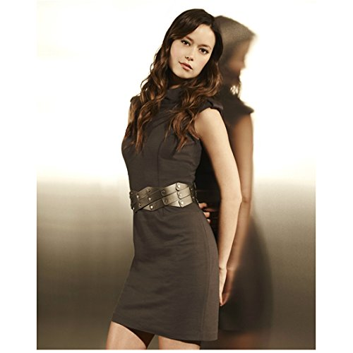 Summer Glau 8x10 Photo Serenity Terminator: The Sarah Conner Chronicles Grey Dress & Belt Leaning Against Reflective Wall kn
