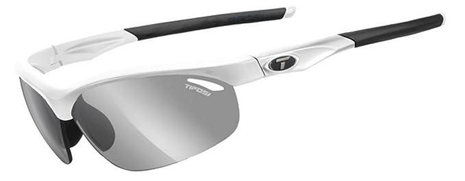 c70dd8635d Amazon.com  Tifosi 2016 Veloce Fototec Sunglasses
