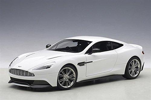 Aston Martin Vanquish Glossy White 1/18 by Autoart 70250