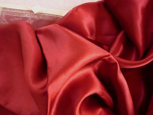 Feeling Pampered Burgundy Red 100% Silk Pillowcase for Beaut