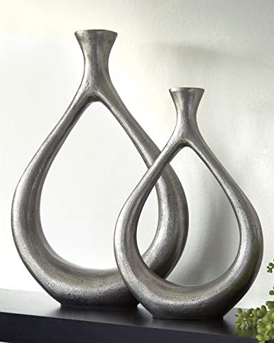 e Silver Finish Vase (Set of 2) ()