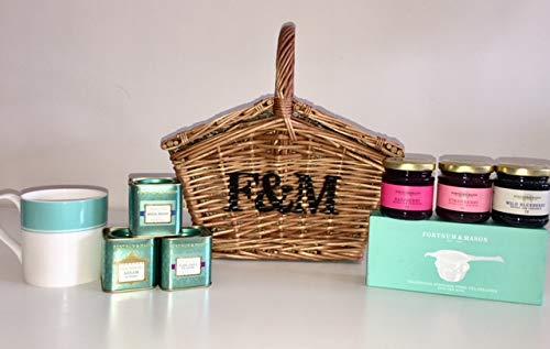 (Fortnum & Mason The Tea Basket Hamper (Fortnum and Mason) with Royal Blend, Earl Grey, Preserve, Mug, Tea Strainer etc.)