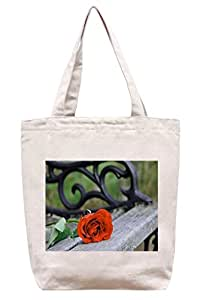 Rosa roja en el banco - lona del algodón bolso de mano