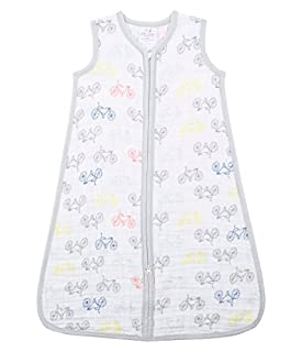 Designed to be worn over pajamas; this 100% cotton wearable blanket by aden + anais eliminates the need for loose blankets in the crib for a safer sleep. The single layer of breathable muslin also helps reduce the risk of overheating; ensuring a peac...