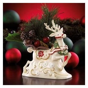 Lenox Petals and Pearls Reindeer with Wreath Vase New in Box 29