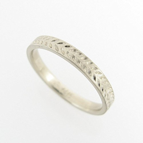 (Solid Gold Wedding Band for Men and Women with a Hand-Engraved Wheat Pattern, Artisan Handmade 14k Yellow or White Gold Jewelry in Sizes 3.5US-8.75US)