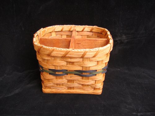 Amish Hand Made Silverware Basket. Square Bottom with a Round Top and Four Compartments. A Very Unique Design That Is Very Classy and Elegant. The Size of the Square Bottom Is 6 Inches By 6 Inches. A Slight Degree Cut Is Used to Make the Top About 7 Inches Across As the Inside Measurement. Solid Wood Bottom and Dividers. Great for Picnics or Your Country Kitchen Home Decor. Accent colors may vary (blue, green, red, burgundy, purple, brown, black, or natural).