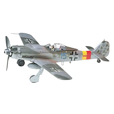 Tamiya 300061041 - 1:48 WWII The German Focke Wulf, Fw190 D-9: Toys & Games