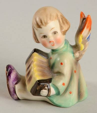Joyful News Angel playing an Accordian Hummel Figurine (Figurines Antique Hummel)