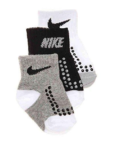 (Nike Baby Boy's Grippy Socks 3 Pair Pack (3C-7C))