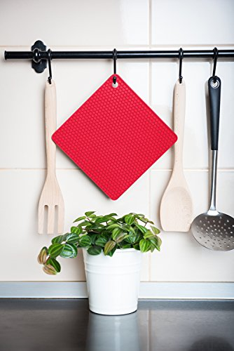 Q's INN Silicone Trivet Mats | Hot Pot Holders | Drying Mat. Our 7 in 1 Multi-Purpose Kitchen Tool is Heat Resistant to 440°F, Non-slip,durable, flexible easy to wash and dry and Contains 4 pcs. by Q's INN (Image #8)