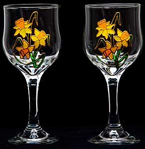 Pair of wine glasses in a daffodil design handpainted and Designer wine glasses uk
