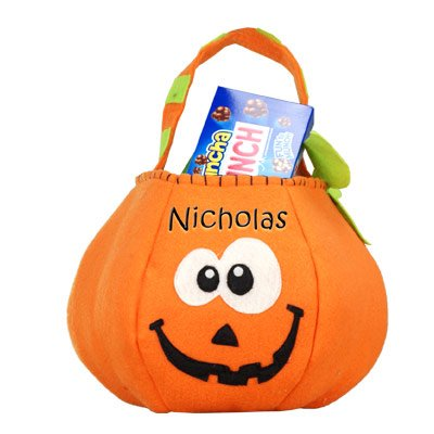 GiftsForYouNow Pumpkin Personalized Trick or Treat (Trick Or Treat Halloween Game)