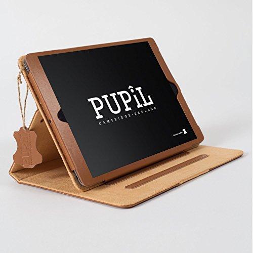 iPad Air (1 & 2) Case Hülle. PUPiL of Cambridge, England. Handgefertigte Aus Echtem Leder Mit Standfunktion Und Voll Kompatibel Mit Der Smart Sleep-Funktion. (Hellbraun - Whisky)