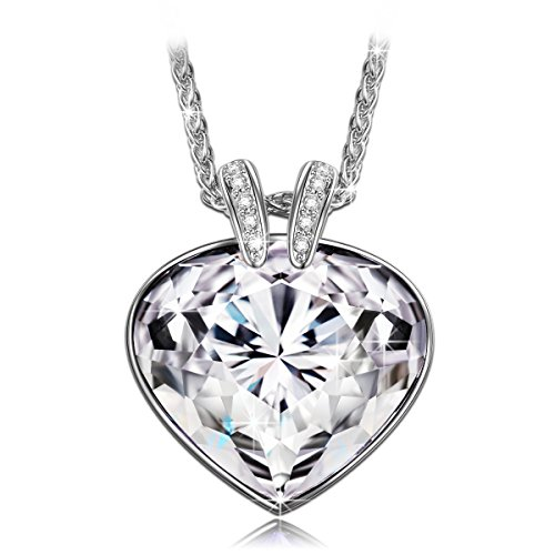 QIANSE Christmas Necklaces Gifts Girls Women Pendant-Necklaces Swarovski Crystals Fine Fashion Costume Jewelry Birthday Gifts for Her Ladies Girls Girlfriend Wife Sister Mum ()