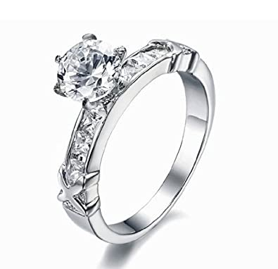 ea1b7c9ec SunnyHouse Jewelry Women's Gorgeous Simple Korean Stylish Titanium Wedding  Band Ring with Cubic Zirconia Stone(