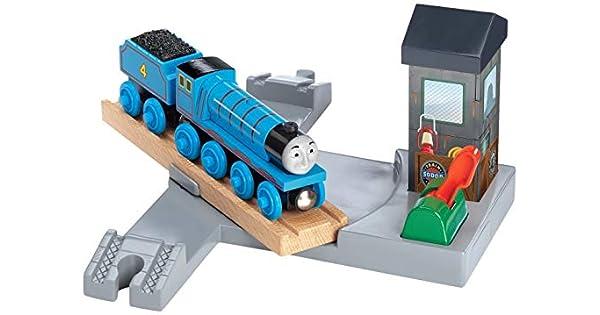 Amazon.com: Estación de Gordon y tocadiscos - Thomas tren de ...