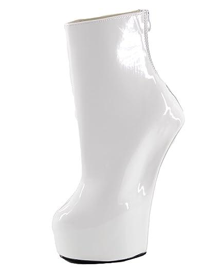 Avril lavigne pregnant naked