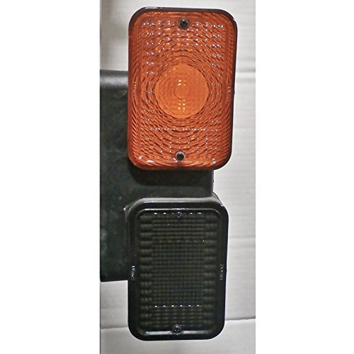 John Deere taillight set LVA18272 LVA18273 Fits 1023E 1025R 1026R 2025R 2032R 3032E 3038E 4044M 4049M 4052M 4066M