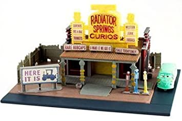 Amazon.com: MATTEL Disney-PIXAR CARS RADIATOR SPRINGS CURIO SHOP ...