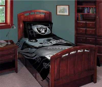 NFL Football Oakland Raiders Logo 5 Piece Comforter, Pillowcase, Fitted & Flat Sheet Bed-in-a-bag Set Queen Size Raiders Bed Comforter