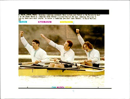 Vintage photo of Cambridge celebrate their victory over Oxford during the 139th Boat ()