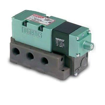 Numatics 082SS43AK046T30 Mark 8 Double Solenoid Valve 2 Pos/4 Way w/3A Base 120 VAC 1/4 NPTF w/Plug-in/Lt/Flush Non-Lkg OR/46T Opt - Opt Flush
