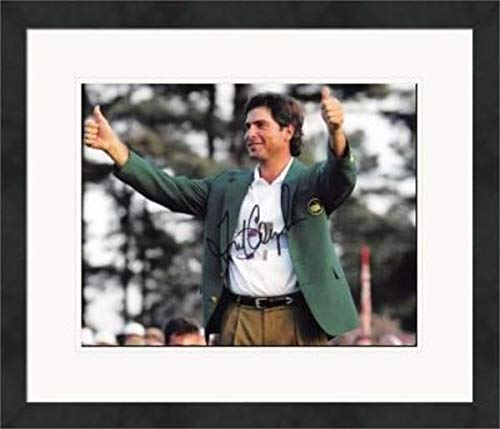 Fred Couples Signed Picture - 8x10 Hall of Famer) #SC32 Matted & Framed - Autographed Golf Photos