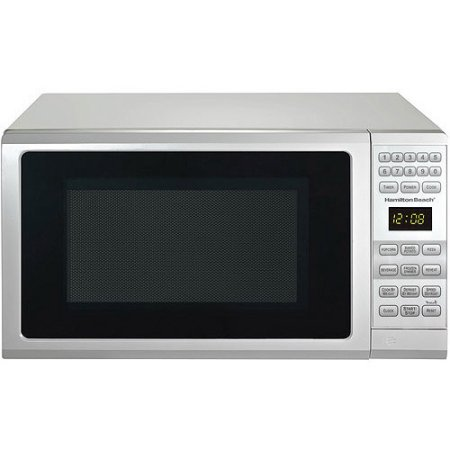 Hamilton Beach .7 cubic foot, 700 watt microwave (White)