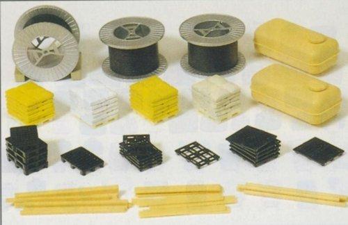 - Cable Rolls, Pallets & Sack Piles Assortment (Kit) HO Scale Preiser Models